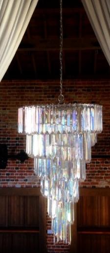 Art-deco-style-chandelier-drape