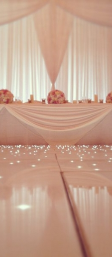 Grecian-backdrop-and-top-table decor -dancefloor