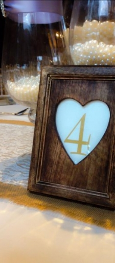 Wooden-heart-table-number-holder