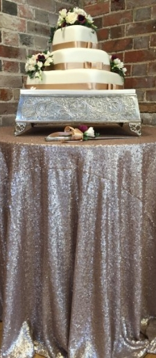 Champagne-cake-table-cloth