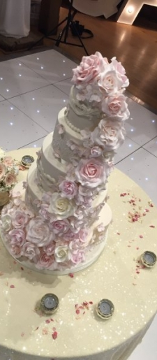 Cream sequin-cake-table-cloth