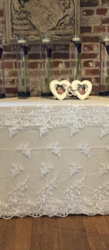 French-white-lace-cloth for the gift table