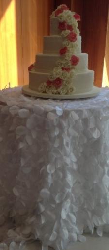 Petal-cake-table-cloth