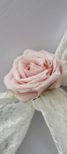 Lace tie back with  rose