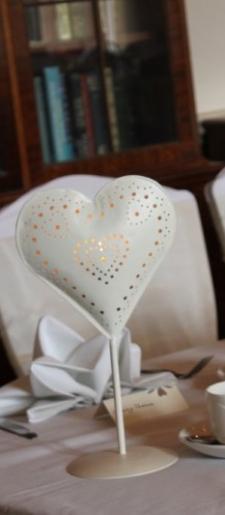 Heart tea light holder